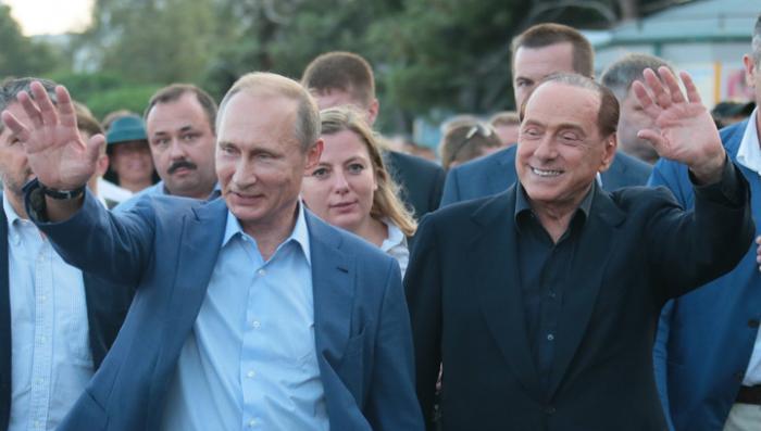 Владимир Путин и Берлускони попробовали вина Массандры