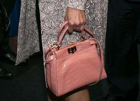 Жена самозванца Порошенко вышла в свет с сумкой стоимостью более $20 тысяч