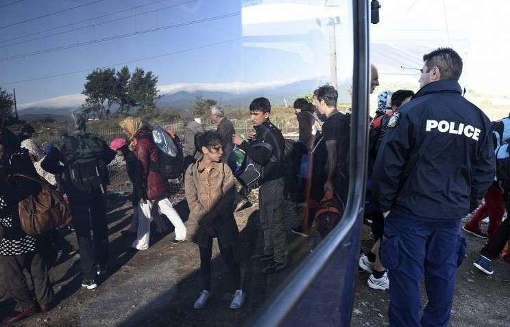 ЕС распределит 40000 мигрантов из Греции и Италии, заплатив €6000 за каждого
