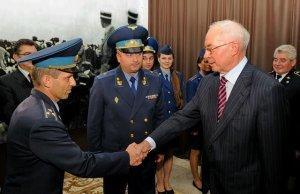Николай Азаров считает, что заявление Порошенко о создании «сильной армии» — нелепое враньё