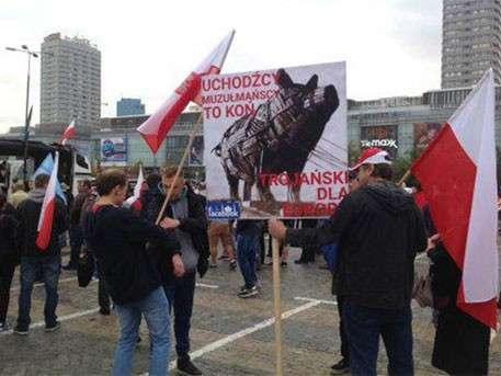 Польша протестует против беженцев с востока