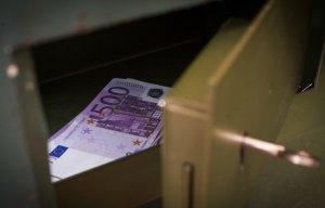Правительство РФ продолжает борьбу с вывозом капитала из России