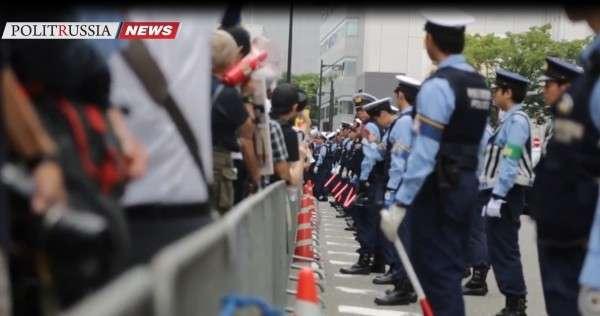 Японию захлестнули антивоенные протесты