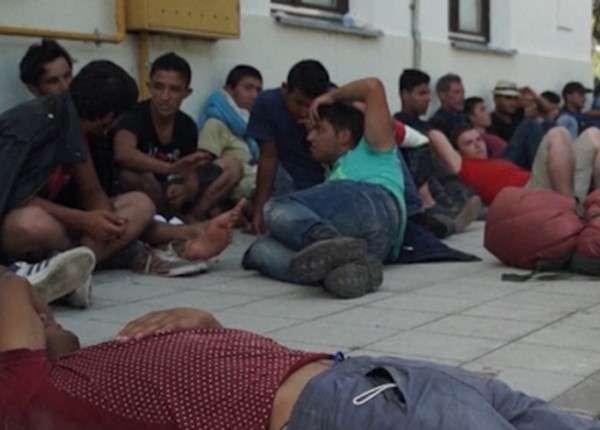 Венгрия обвинила Хорватию в незаконной перевозке людей
