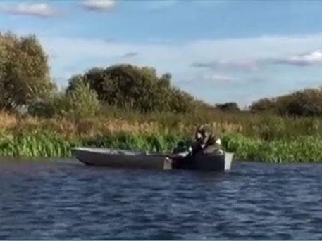 Бешеная лодка сбросила рыбака и носилась по реке в Костроме