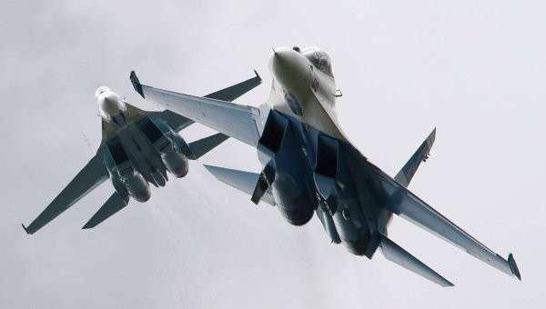 Истребители Су-27, архивное фото