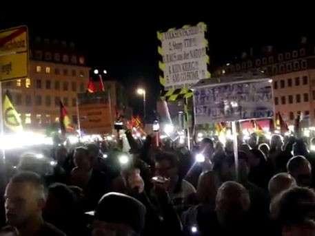 Немцы предложили отправить Меркель в Сибирь, а Путина – в Берлин