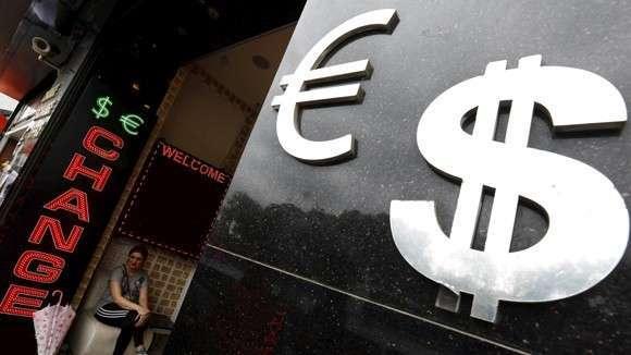 Бизнесу разработали эмбарго на евро и доллары