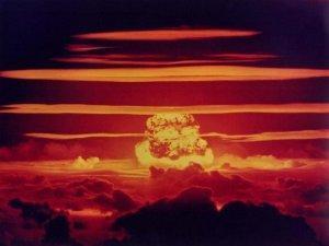 Сионистская верхушка США ставит на Германии ядерный крест