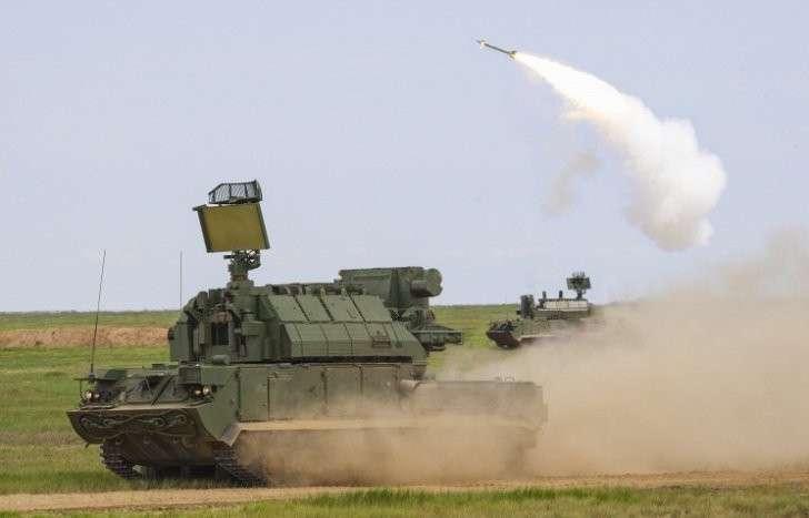 Концерн «Алмаз-Антей» провёл успешные стрельбы из ЗРК «Тор» в движении