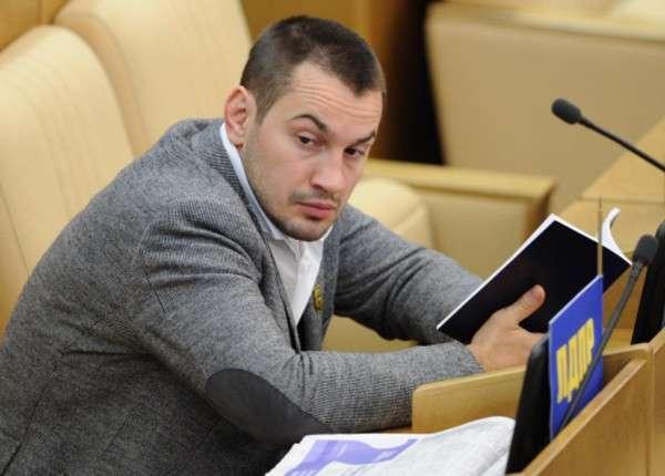 Член ЛДПР Дмитрий Носов рассказал про «депутатский кокаин»