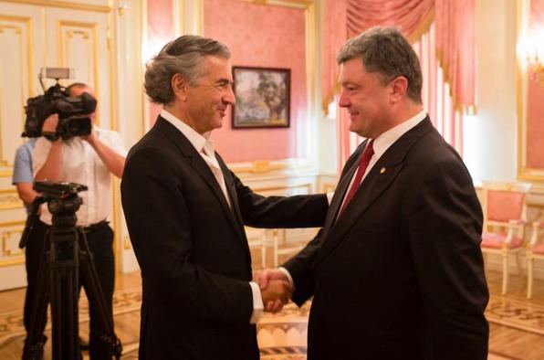 Укро-алкаш Порошенко и евро-болван Леви встретились в Киеве