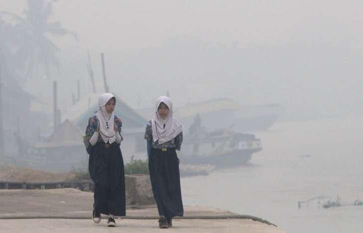 Задымление, накрывшее Индонезию, Малайзию и Сингапур, продлится до конца ноября