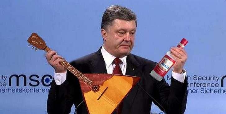 Пьяного Порошенко, рвавшегося к Путину, сняли с рейса Киев-Москва