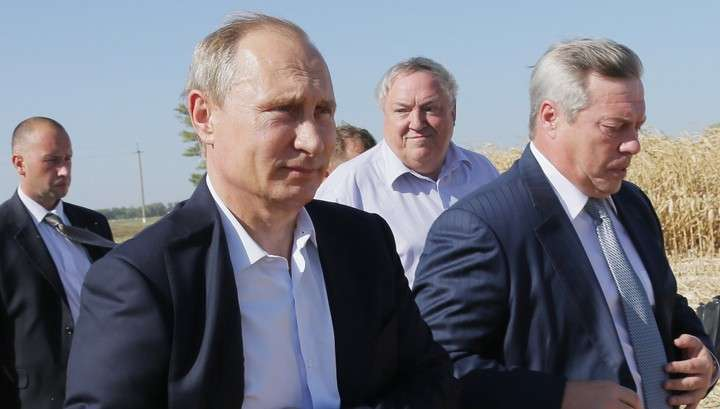 Владимир Путин посоветовал ростовским фермерам срочно занимать рынок, освобождённый санкциями