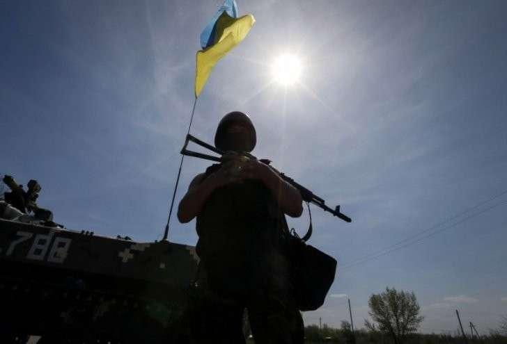 Бандиты возвращаются домой с грузовиками награбленного у жителей Донбасса