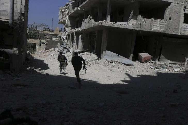 Террористы в Сирии спасаются бегством после первых авиаударов России