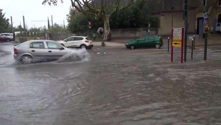 Наводнение во Франции: погибли 13 человек, шестеро пропали без вести