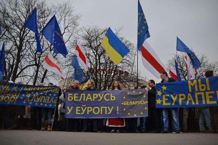 Белоруссия станет второй Украиной: Как братский народ уводят на Запад