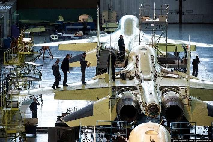 Производство фронтового бомбардировщика Су-34. НАЗ им. Чкалова
