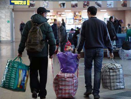 Беженцы начинают возвращаться в Донбасс из России