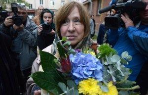 У премии Нобеля по литературе не литературное лицо