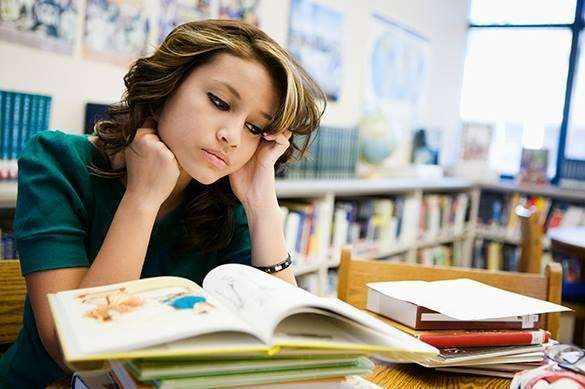 девушка и книги