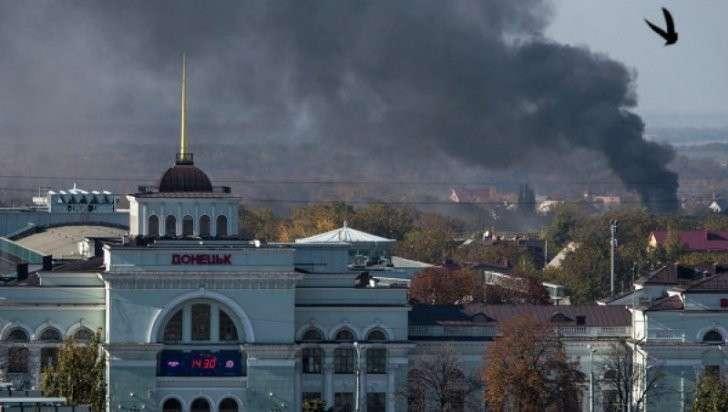 Перемирие нарушено: украинские каратели обстреляли Донецк. Есть жертвы