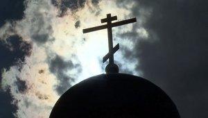 В Швеции лесбиянка-епископ предложила снять с церкви кресты