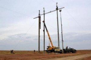 Правосеки обрывают ЛЭП и грозят энергетической блокадой Крыма