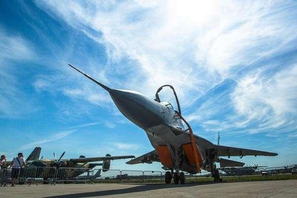 Истребитель НАТО развалился перед взлетом в Эстонии