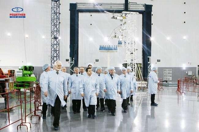 Создание спутника взамен сгоревшего поручат российскому производителю