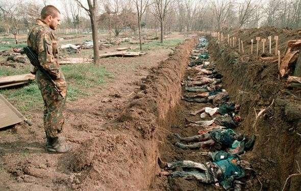 Обнаружены сотни трупов укробойцов со вспортыми животами