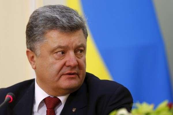 Самозванец Порошенко предложил сделать английский вторым языком на Украине