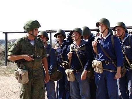 Призывной ажиотаж в Крыму: у военкоматов выстроились очереди