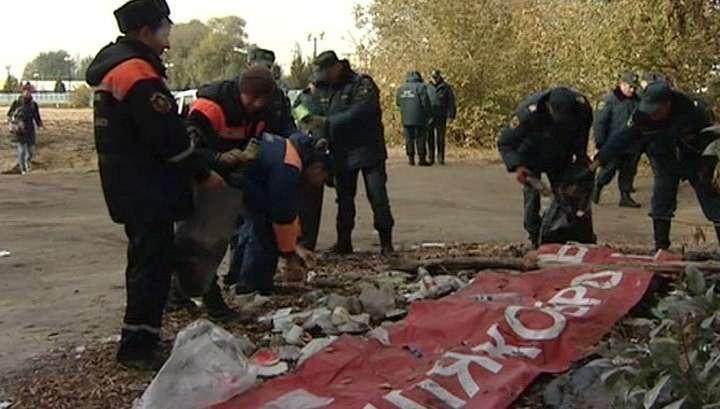 Липецкие спасатели вывезли с берега 40 мешков мусора