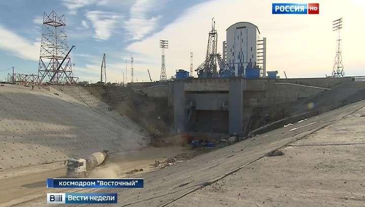 Владимир Путин осмотрел стройку века - космодром Восточный