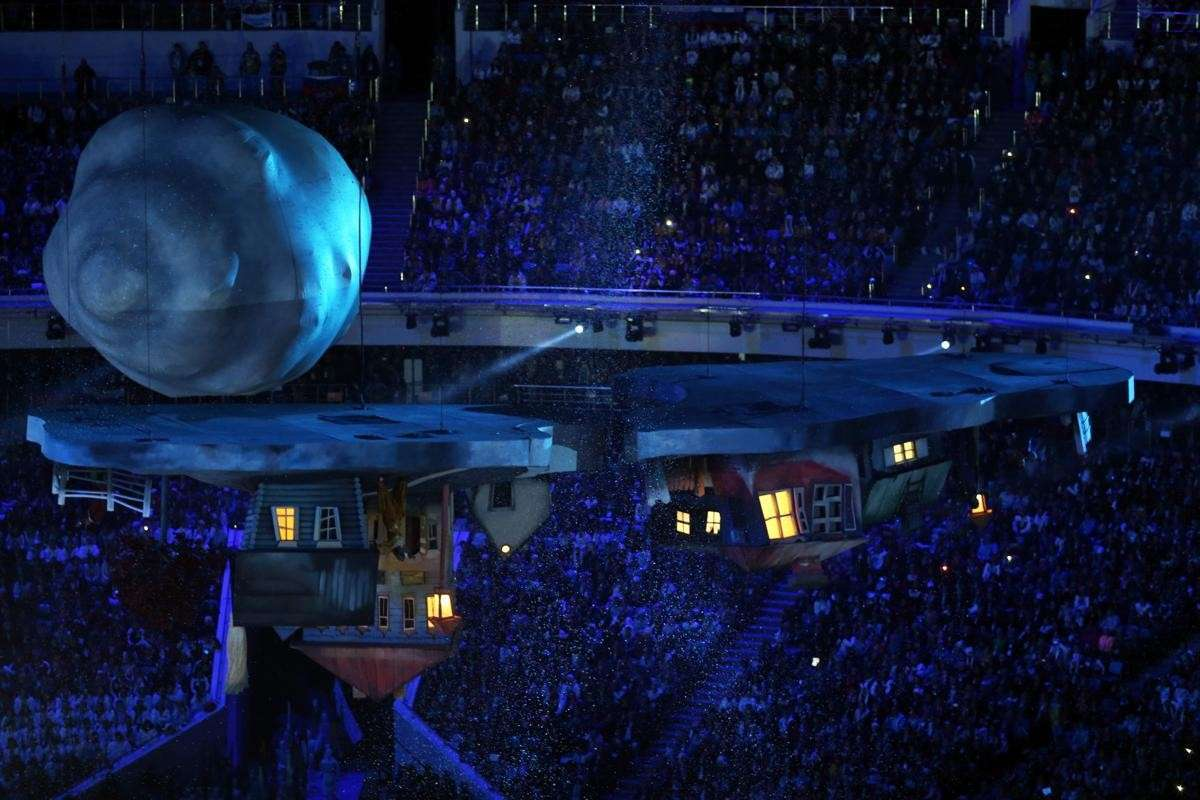 2014-winter-olympic-games-closing-20140223-171933-002
