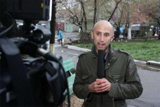 Украинские силовики украли у Филлипса мобильник и личные вещи