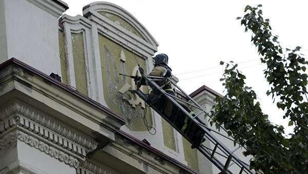 Донецк избавляется от последней украинской символики