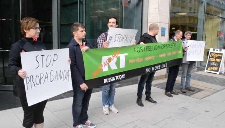 Три с половиной полуграмотных еврея требуют закрыть Russia Today в США
