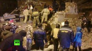 После взрыва в жилом доме в Хабаровском крае под завалами остаются люди