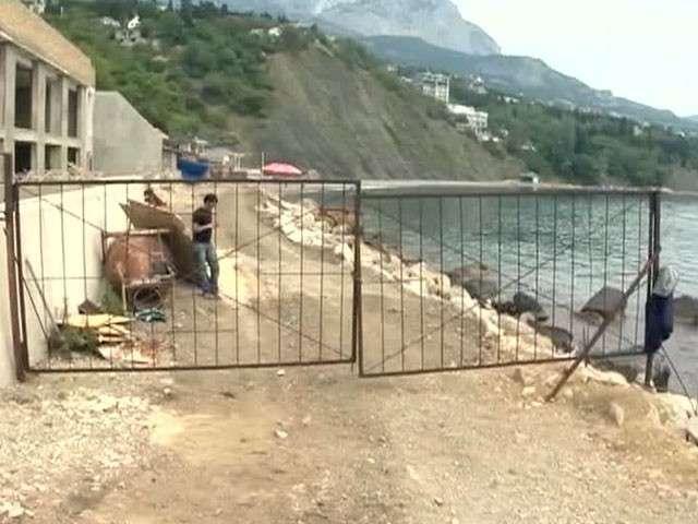 В Крыму объявили войну незаконным дворцам у моря