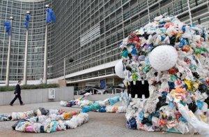 Франция собирается отказываться от полиэтиленовых пакетов