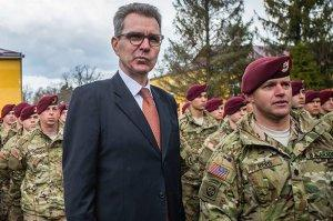 США скорее заменят своего посла на Украине, чем Порошенко