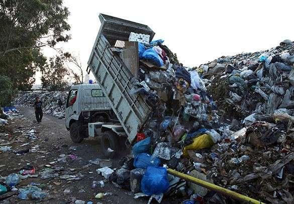 Бейрут, горы мусора на улицах