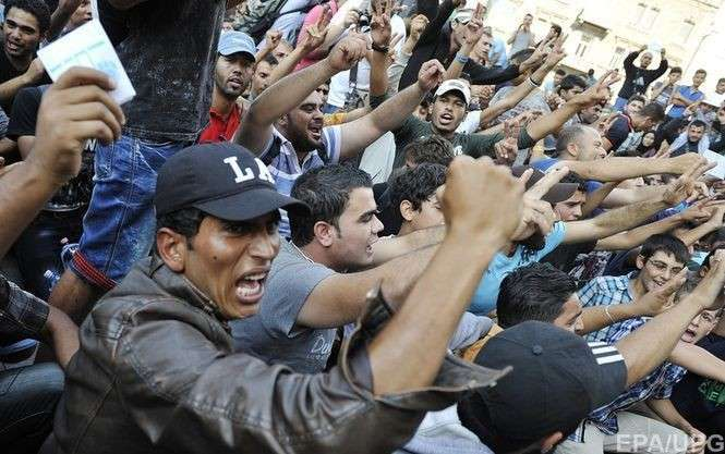 Европейцы уходят в гетто. Беженцы несут войну
