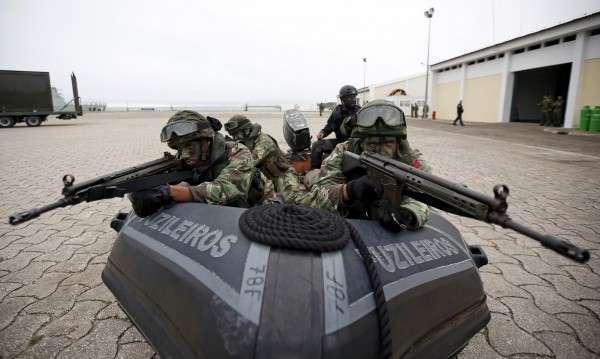 НАТО «играет в войну» против России в то время, когда разваливается Евросоюз