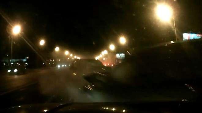 Массовая авария на Кутузовском попала на видеорегистратор
