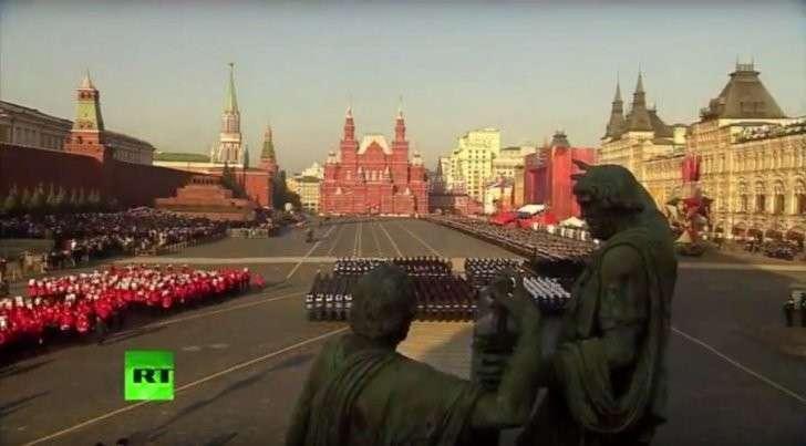 Парад на Красной площади в Москве — прямая трансляция
